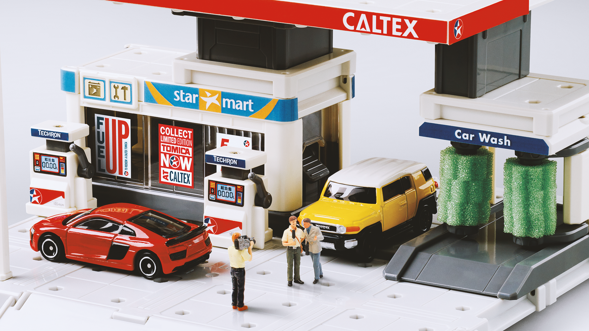 Caltex ↳ A scaled-down POS campaign to promote a toy version of Caltex Gas Station.